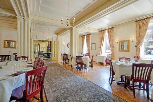 79 Albany St Cazenovia NY-large-008-9-Dining Room 2 b-1500x1000-72dpi
