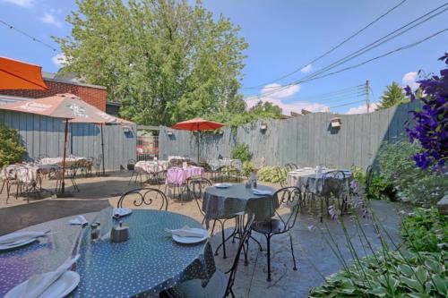 79 Albany St Cazenovia NY-large-009-20-Courtyard a-1500x1000-72dpi