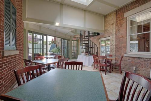 79 Albany St Cazenovia NY-large-013-29-Sun Room-1500x1000-72dpi